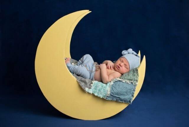 moon and effect on sleep